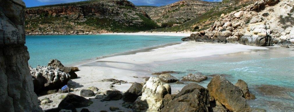 Matrimonio In Spiaggia Lampedusa : Un isola paradisiaca dove dirsi si lampedusa wedding